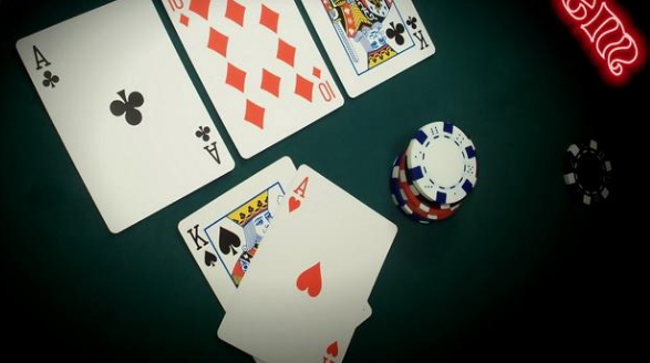 Winning Online Poker
